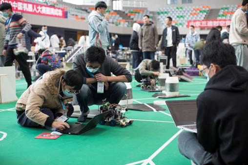 《【奇亿登陆】中国机器人大赛青岛开赛》